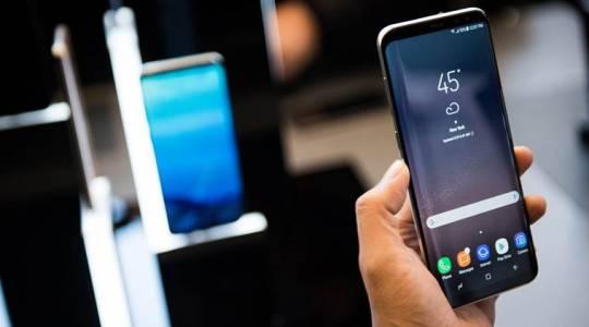 Samsung отрече обвиненията, че забавя смартфоните си със софтуерни ъпдейти