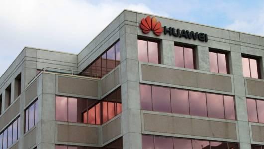 ФБР, ЦРУ и АНС се обединиха срещу използването на смартфони на Huawei и ZTE в САЩ
