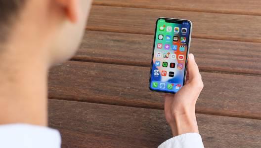 Нов бъг в iOS 11 кара iPhone да се рестартира, а чат приложенията да блокират