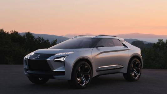 Това са двата нови модела, които Mitsubishi ще представи в Женева