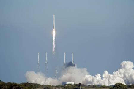 Ракетата Falcon 9 на SpaceX отбелязва 50 успешни мисии
