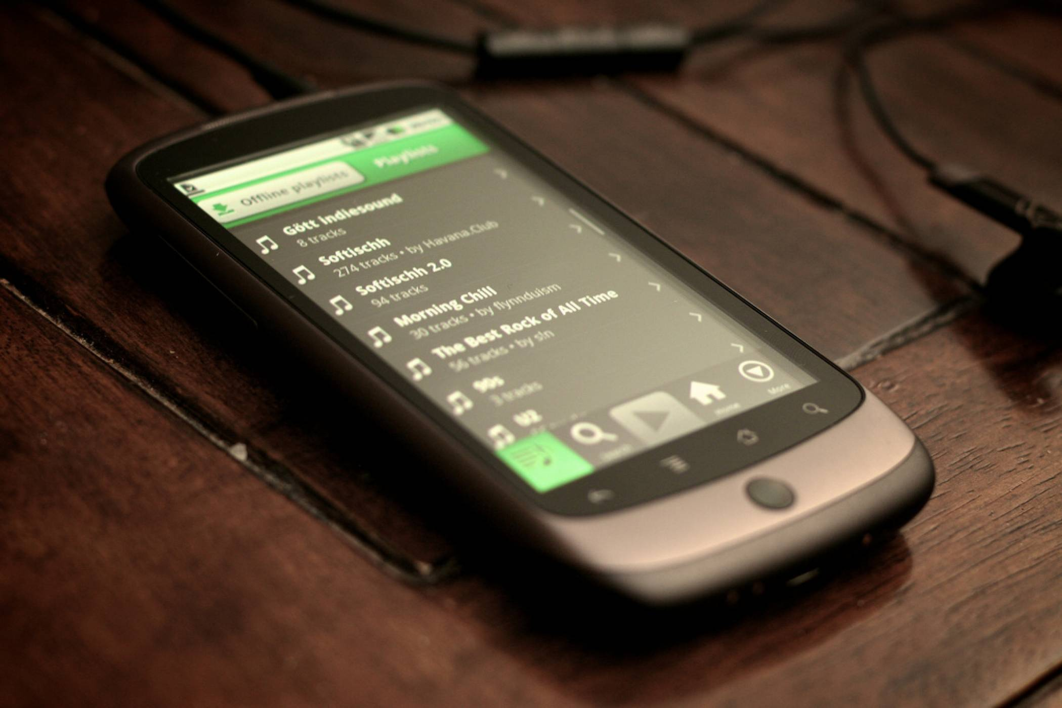 Spotify тества свой гласов асистент като конкурент на Siri и Alexa