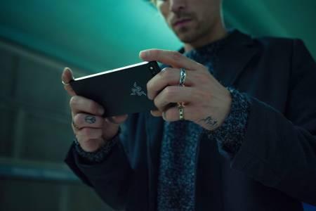 Гейминг смартфонът Razer Phone дебютира в България