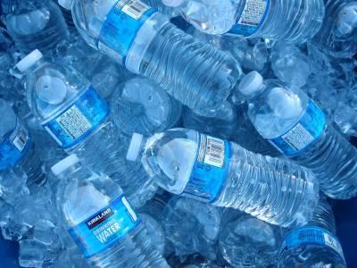 СЗО с мащабно проучване за опасностите от бутилираната минерална вода