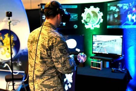 Към 2022 г. 70 милиона души ще гледат света през VR и AR шлемове