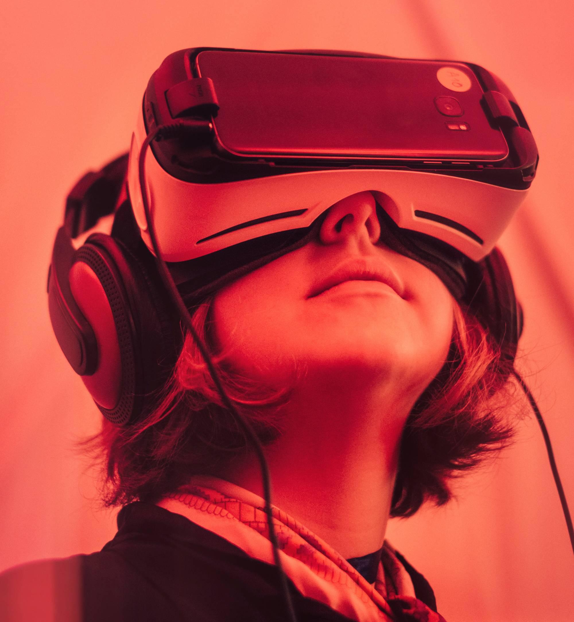 Детството на дигиталните деца: как се променят порастването и ученето в ерата на смартфона?