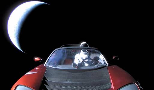 Как ще изглежда отлетялата в Космоса Tesla Roadster следващия път, когато я видим?