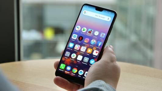 Huawei обмислялa прорези в дисплея години преди iPhone X