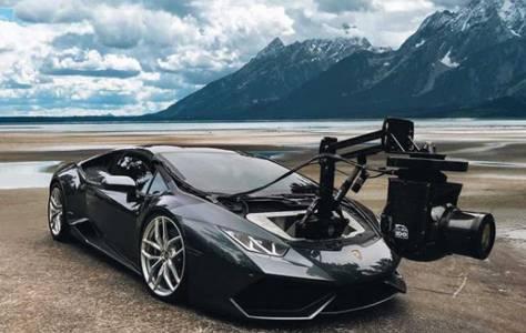 Lamborghini Huracam е уникално съчетание на суперкола и суперкамера