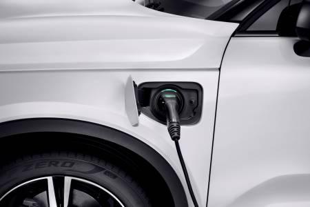 До 2025 година 50% от продажбите на Volvo ще са на електромобили