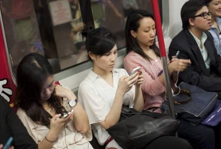 Смартфон пазарът в Китай с първия си огромен спад за последните 5 години