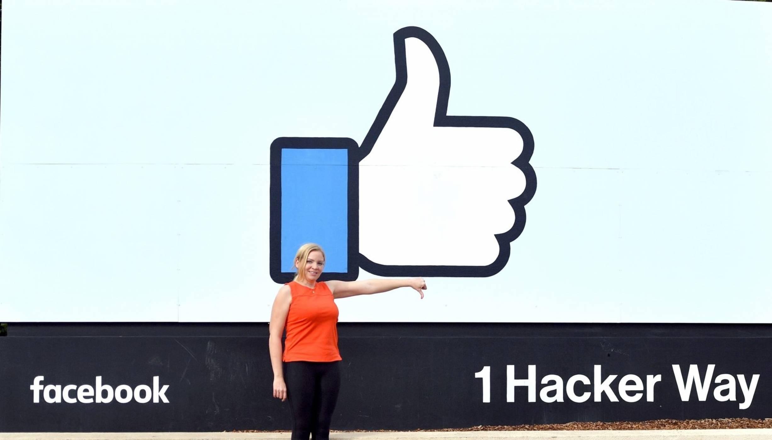 Бутонът за отрицателно гласуване във Facebook е наличен при все повече потребители