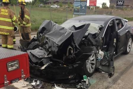 Катастрофа на Tesla в автономен режим предизвика федерално разследване