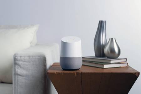 Google за пръв път изпревари Amazon в продажбите на умни домашни колонки