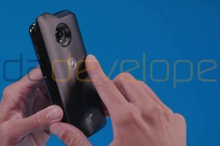 Изтекоха снимки на новия Moto Z3 Play и интересния 5G Moto Mod