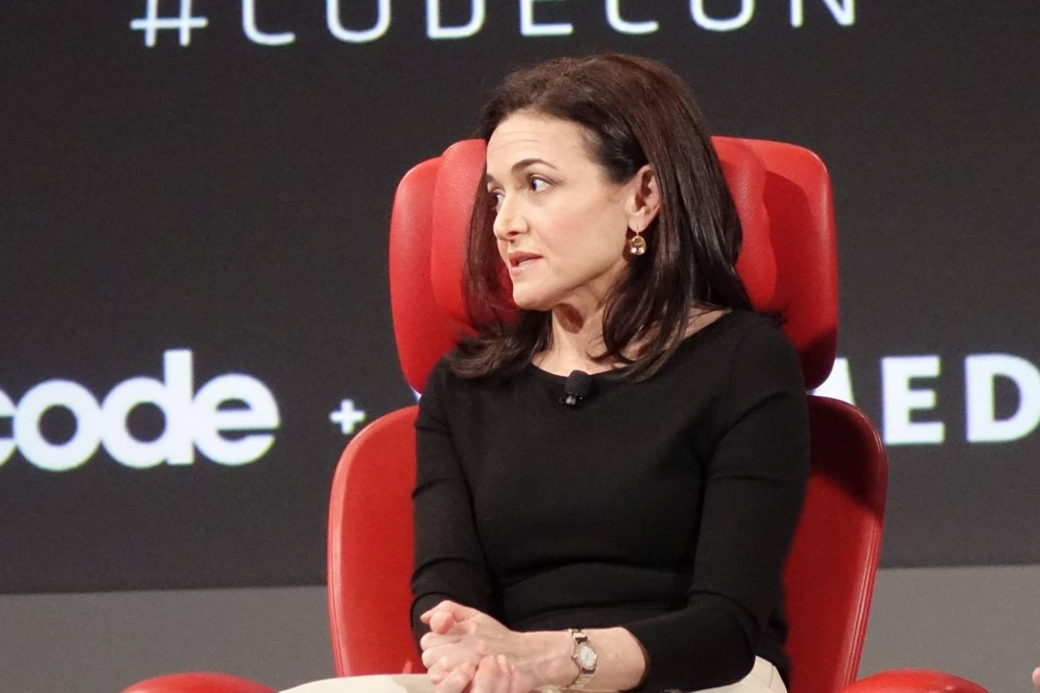 "Facebook призна, че не е обърнала ""достатъчно внимание на лошото"""