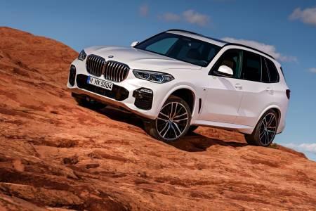 2019 BMW X5 е тук - по-голям, по-мощен и по-умен