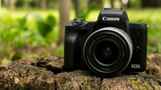 Canon EOS M50 е фотапарат за всеки (видео ревю)