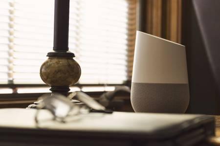 Говорете по-свободно с Google Assistant без постоянни hey и OK... поне през Home