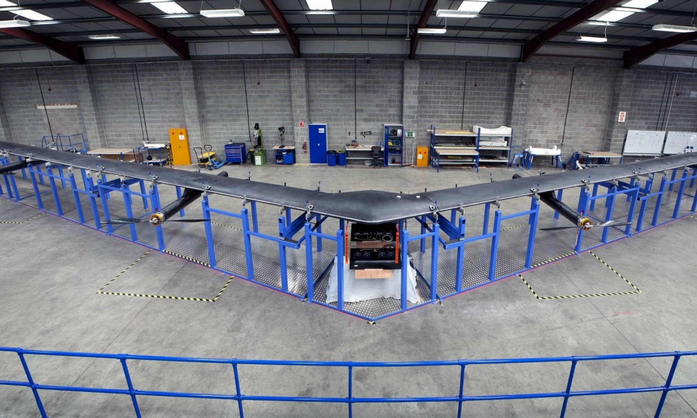 Facebook прекрати проекта си Aquila за огромните интернет дронове