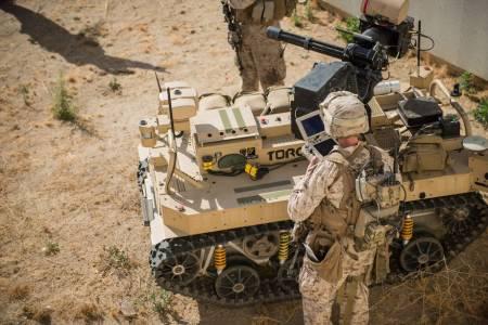 Технологични лидери обещаха да не разработват умни военни системи