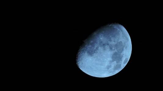 От NASA потвърждават наличието на лед на полюсите на Луната