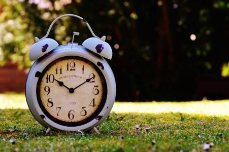 Борбата за стрелката: какво се крие зад промяната на времето