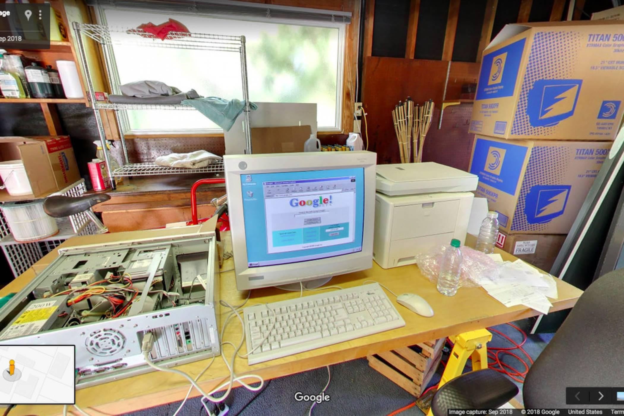 Google Search празнува 20 години с обиколка в гаража, където започва всичко
