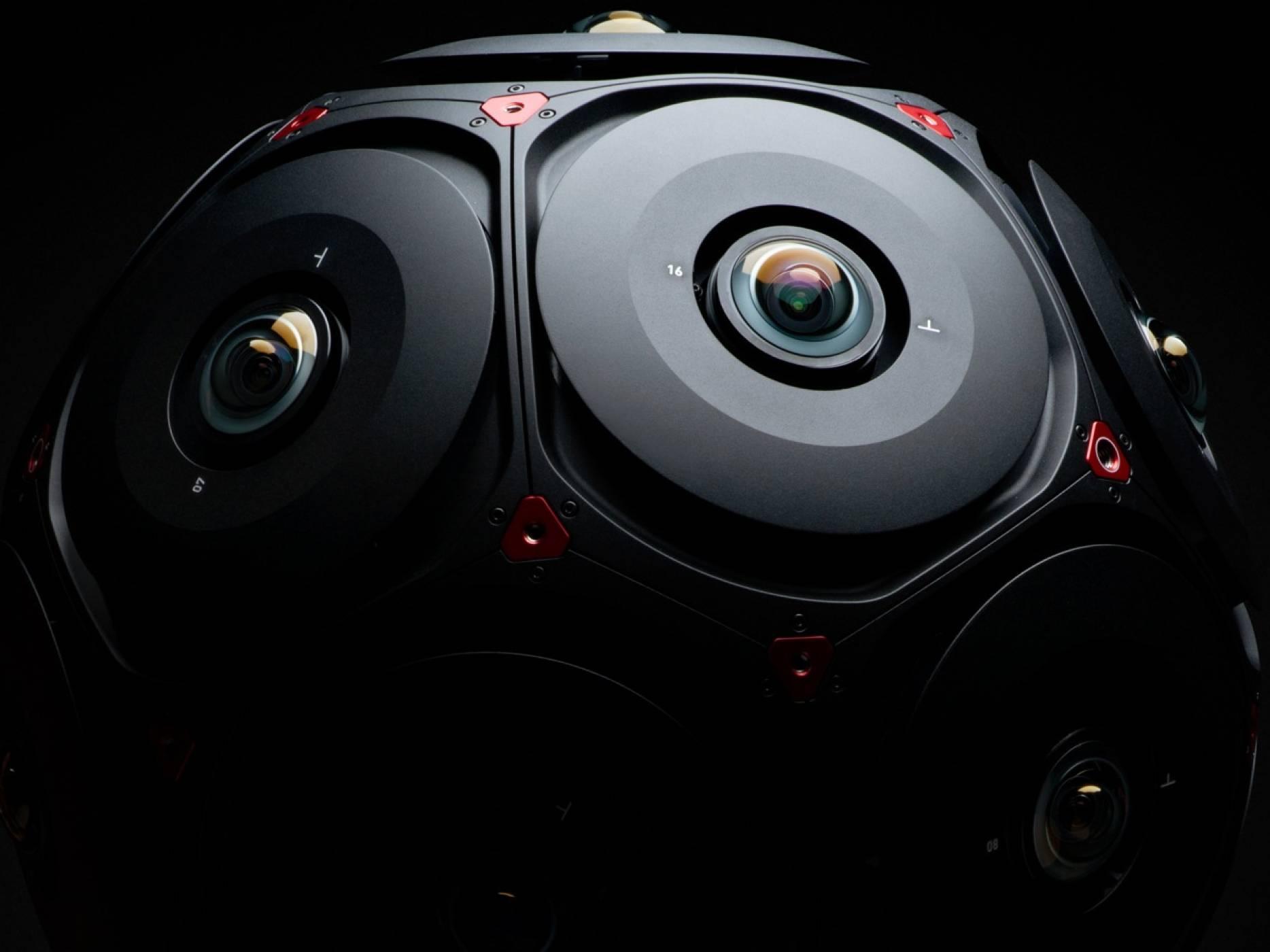 Facebook и RED разработват професионална камера за заснемане на 360-градусово видео в шест посоки
