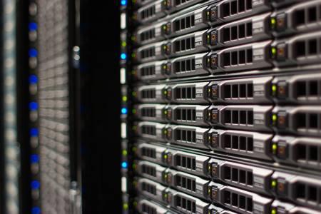 Китайски шпиони хакнали сървърите на Apple, Amazon и други американски гиганти