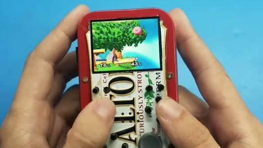 Това Wii, вградено в кутийка за бонбони, е най-готиното нещо, което ще видите днес