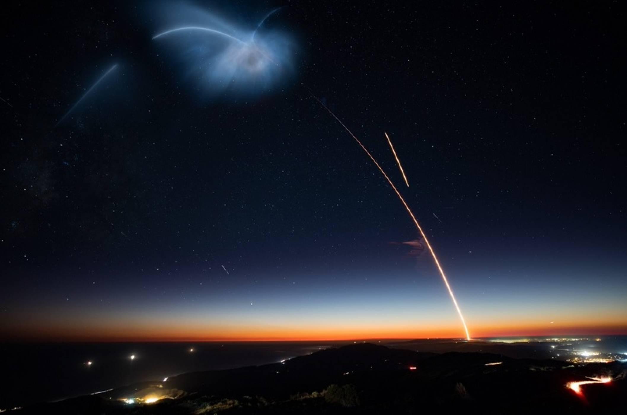 Вижте как SpaceX за първи път успешно приземи ракета на твърда земя в Калифорния