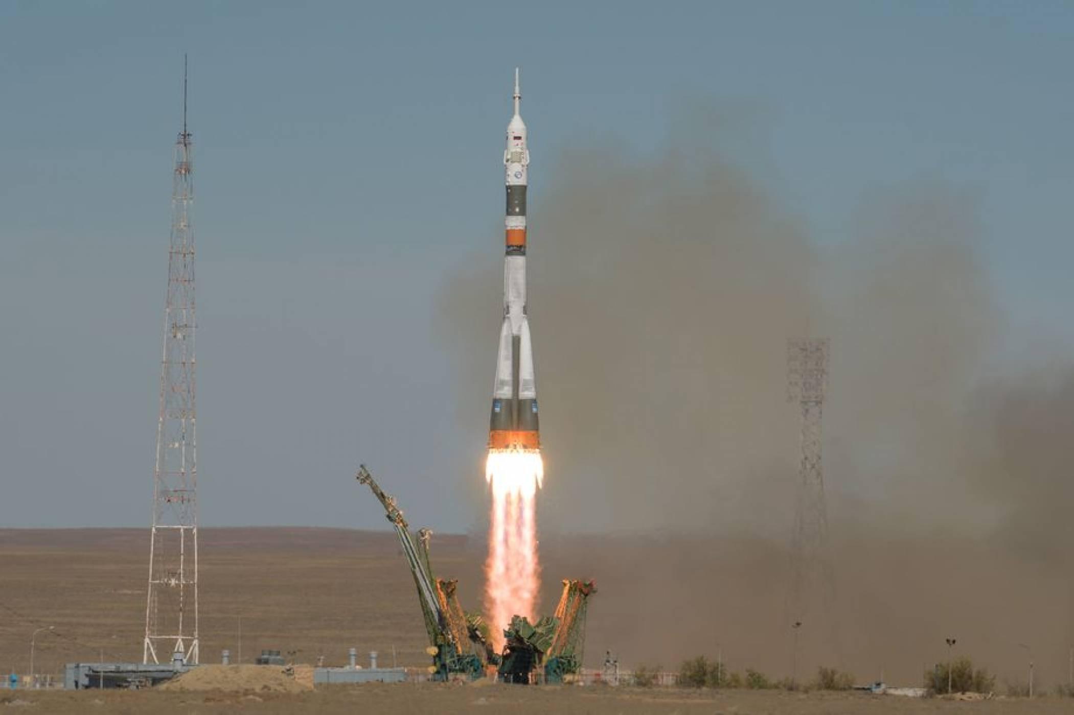 """Инцидент с ракетата """"Съюз МС-10"""" приземи аварийно екипажа"""