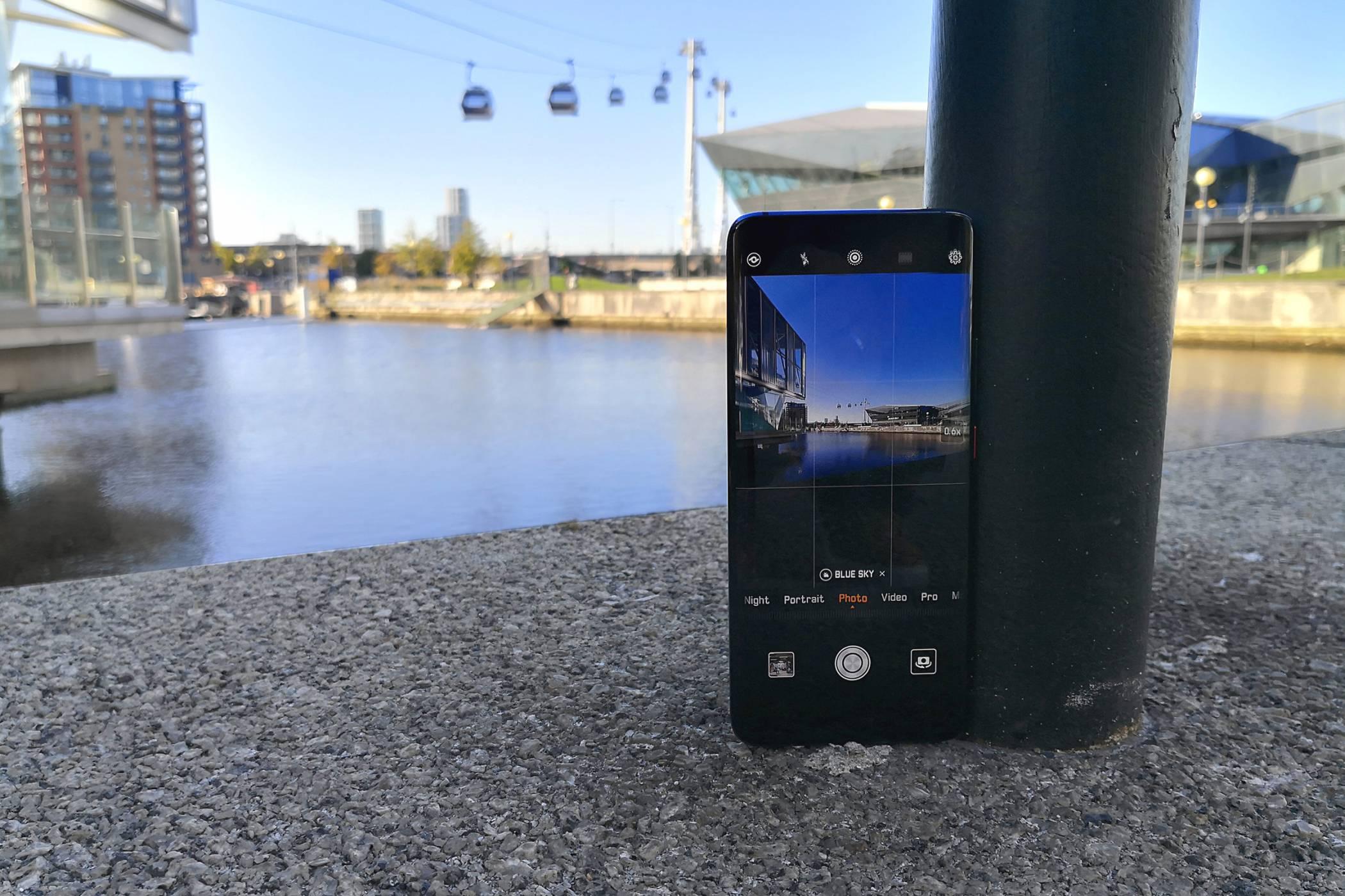 Huawei Mate 20 Pro: този телефон е страхотен (видео ревю)
