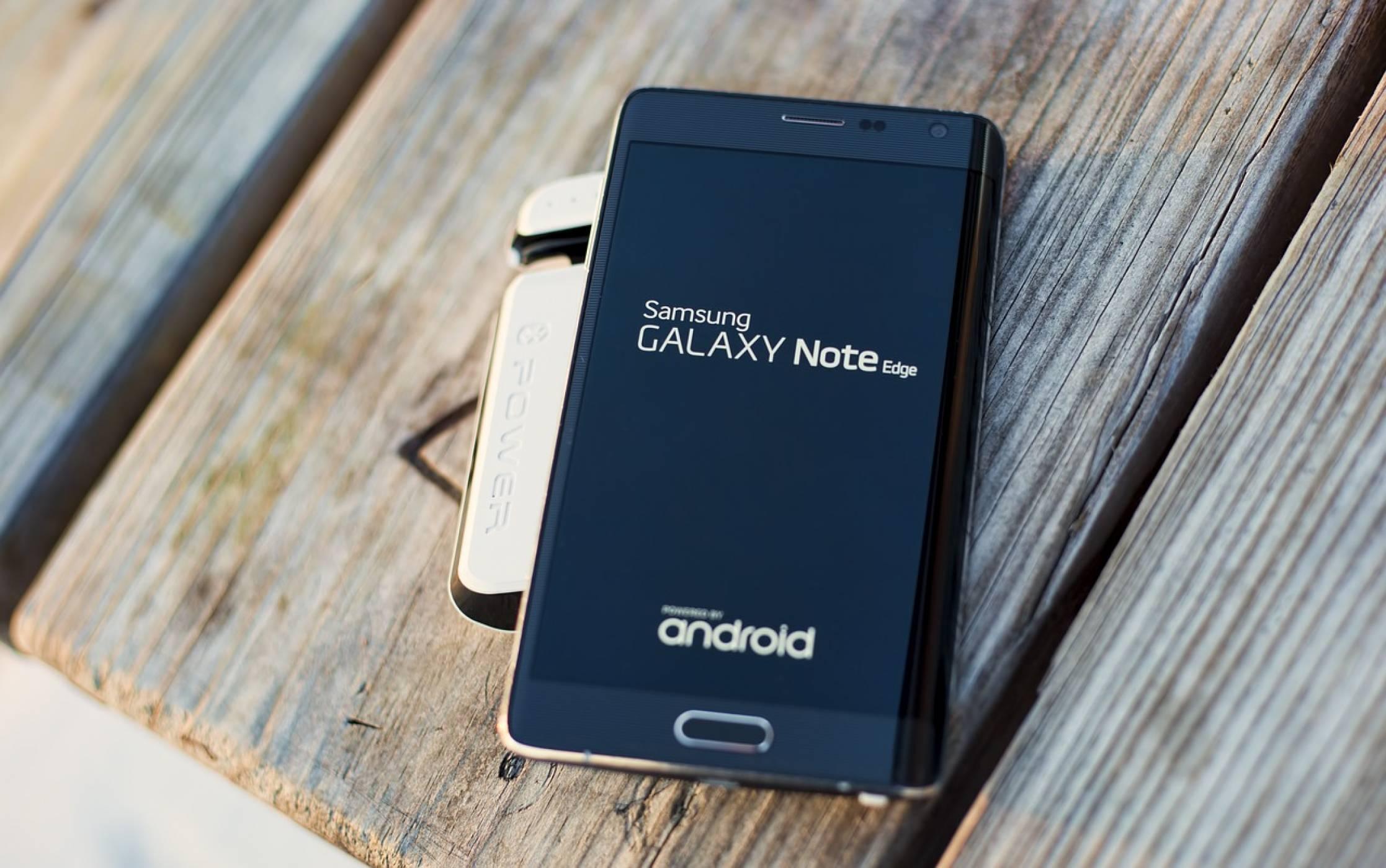 Samsung иска да сгъне и таблет в джоба ви