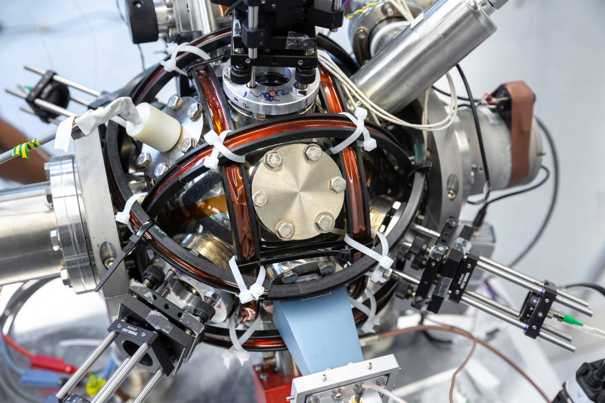 Квантов компас може да изпрати GPS технологията в миналото