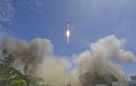 Грандиозният план на SpaceX за 7000 сателите около Земята се задвижи