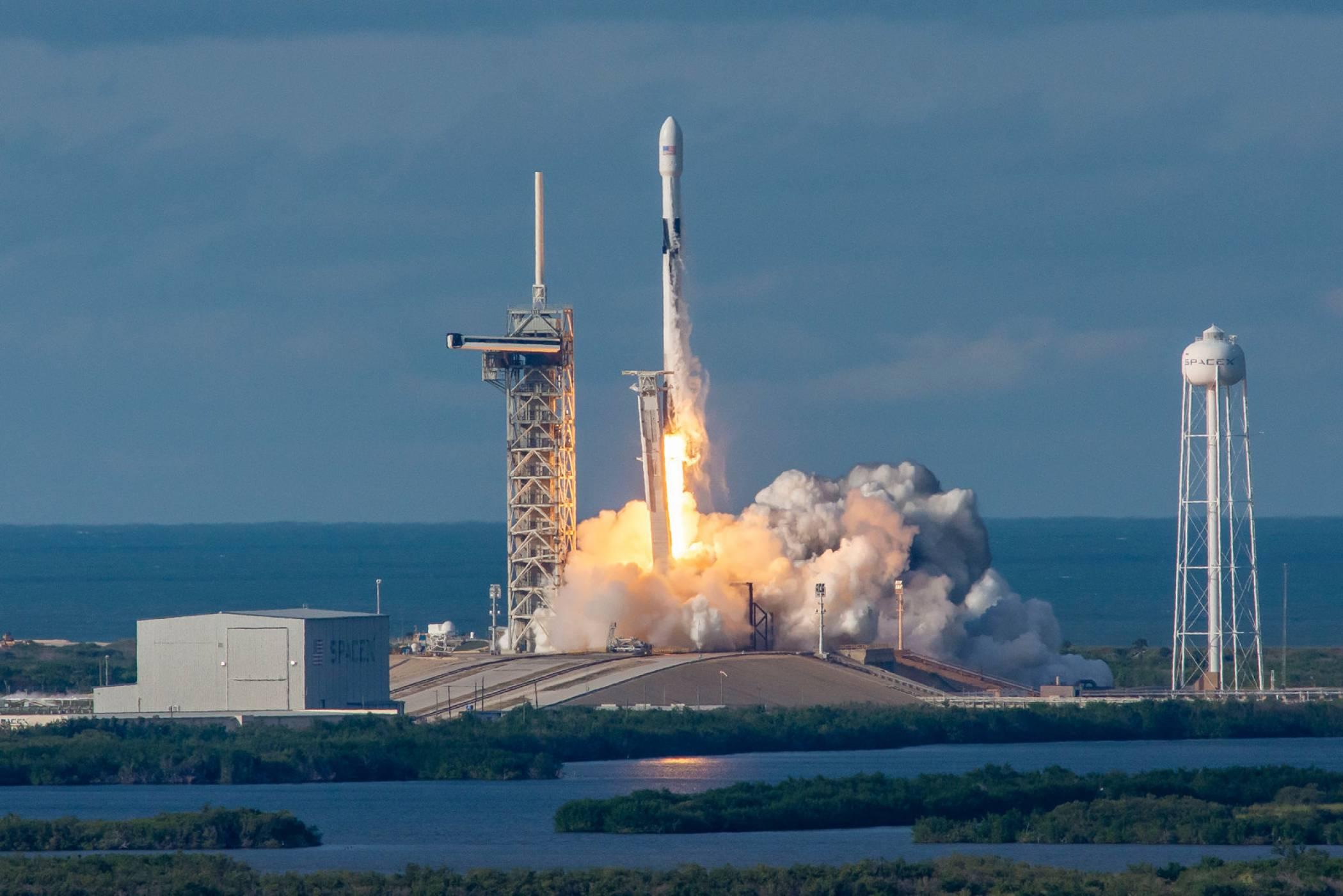 BFR окончателно замени Falcon 9 в сърцето на Илон Мъск