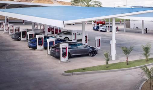Tesla покрива цяла Европа със Supercharger мрежа за зареждане през 2019 г.