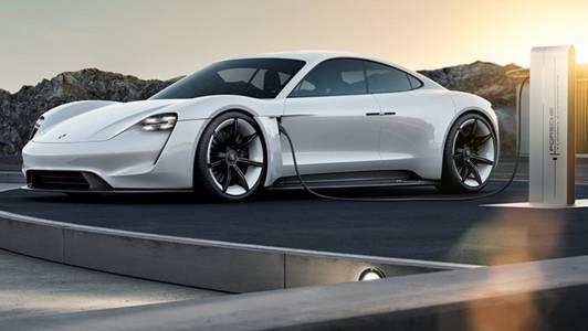 Е-удоволствието Porsche Taycan ще ви струва до 130 000 долара