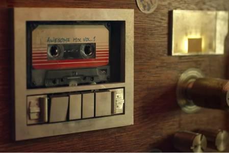 """Грамофонните плочи и """"касетките"""" продължават да са голям хит"""