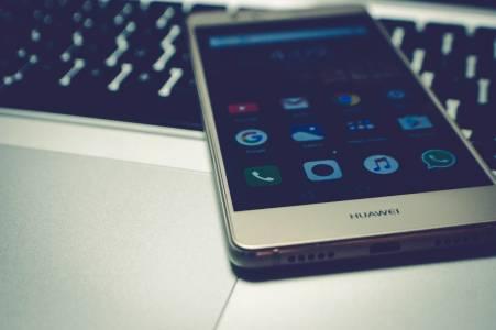 Германия също обмисля да спре да работи с Huawei