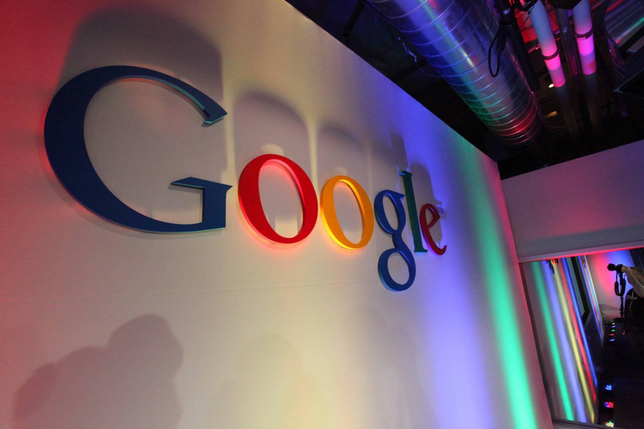 Франция наложи най-голямата досега глоба на Google заради личните данни