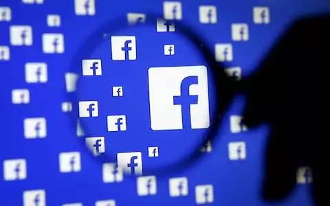 Facebook плаща на тийнейджъри по 20 долара на месец за пълен достъп до телефоните им