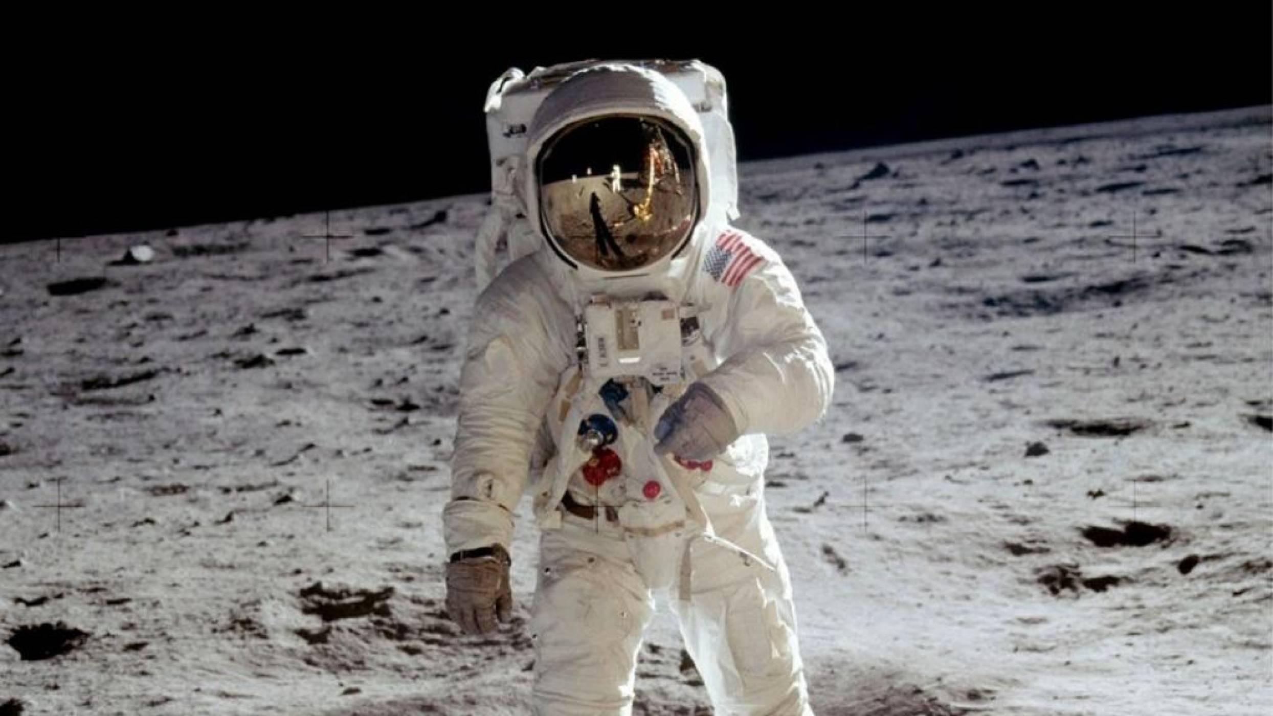 Чуйте непознати разговори от лунните мисии в документалния филм Apollo: Missions to the Moon