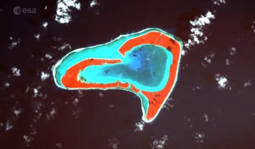 Валентинка от ЕSA ни показва сърца от земни пейзажи, заснети от Космоса (ВИДЕО)