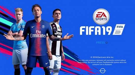 Защо заличиха Кристиано Роналдо от обложката на FIFA 19?