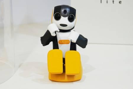Новият робот на Sharp ще танцува само за вас и само за 715 долара