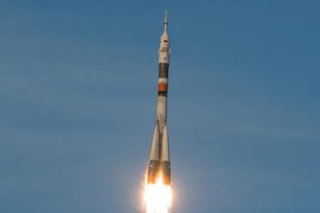 Двама руски космически туристи отиват на МКС през 2021 г.