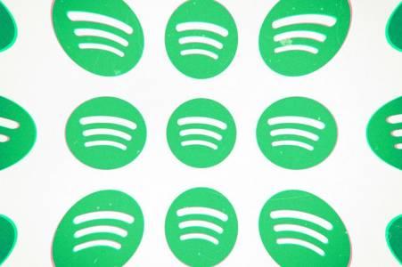 Spotify отвърна на Apple: Вие сте монополисти!